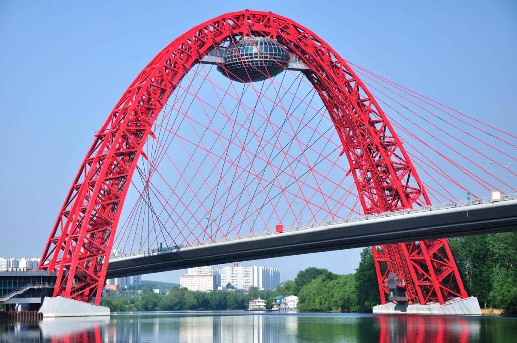 Живописный мост в Серебряном бору. Фото с сайта  tonkosti.ru