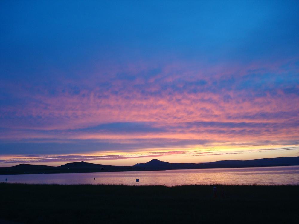 Закат на озере Белё