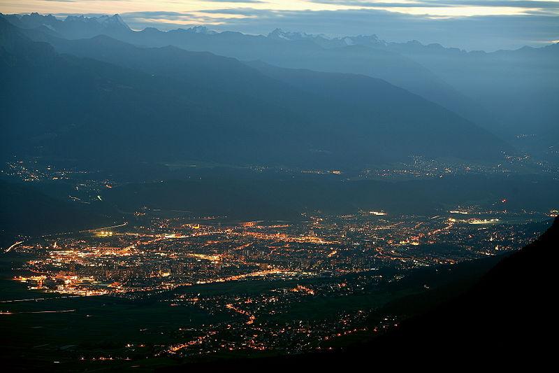 Инсбрук с высоты птичьего полета. Фото: ru.wikipedia.org