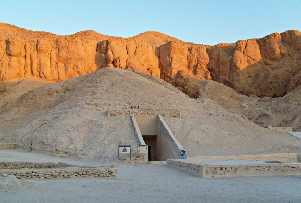 Вход в гробницу Рамзеса IV. Автор: zolakoma. Фото:  www.flickr.com