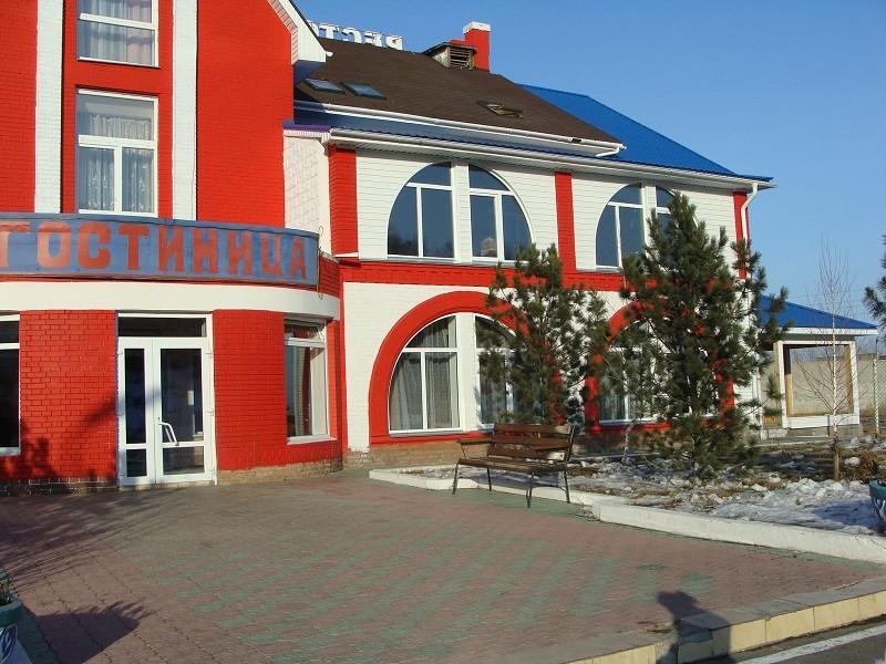 Фасад здания отеля. Фото: www.otelzagorodom.ru