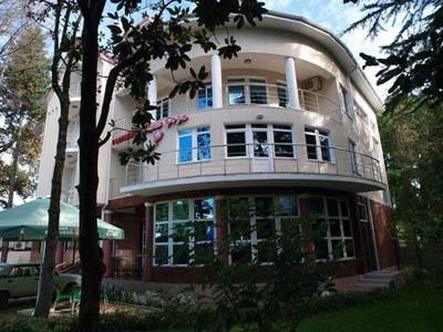 Фасад здания. Фото: www.sochi-roza.ru