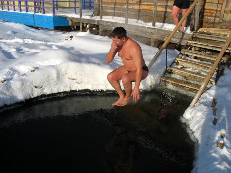 18, 19 и 20 января 2020 бани с прорубью и Крещенской купелью - БЕСПЛАТНО!