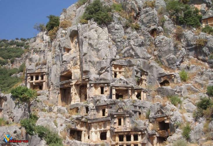 Гробницы Фетхие. Фото с сайта www.ailand-tur.ru