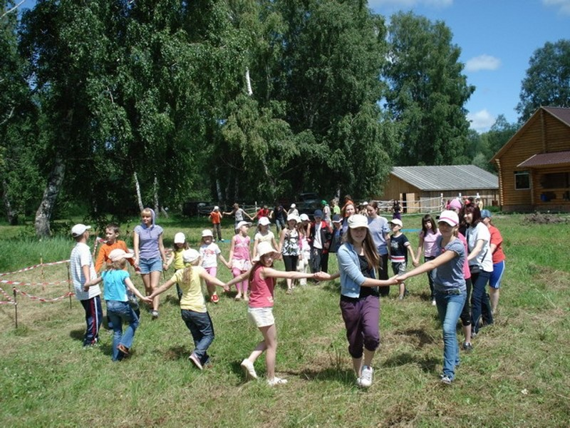 Поиграем   www.stolicamira.ru