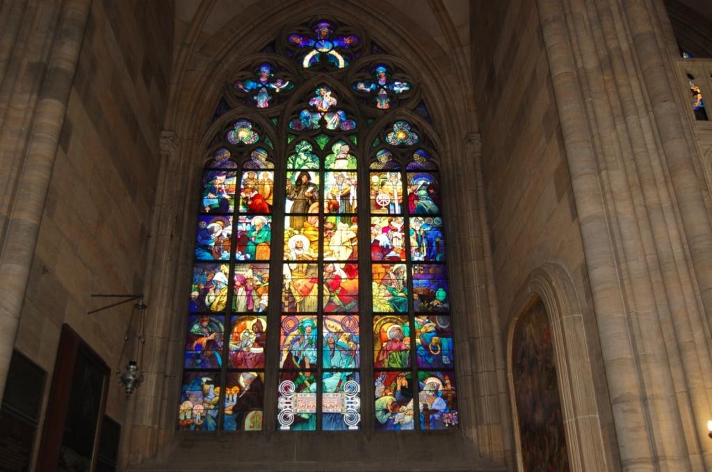 Витражные окна в сборе св. Вита. Автор: Robert Nyman. Фото:  www.flickr.com