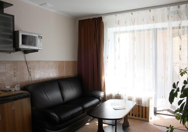 Гостиная в номере «Люкс». Холл. Фото: www.hotelbel.ru