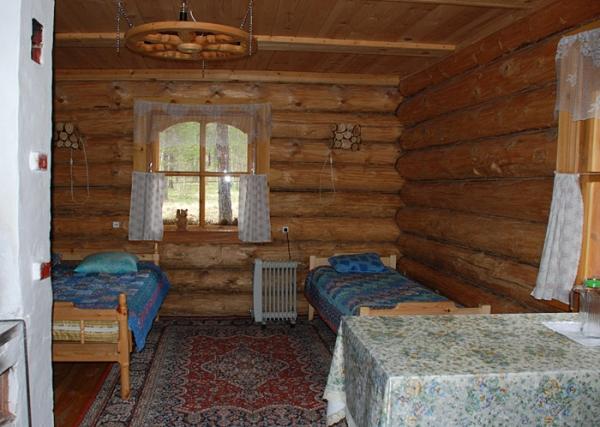 В домике. Фото: www.siberia-travel.ru