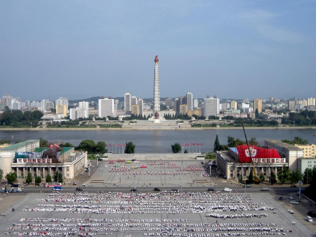 Вид на Ким Ир Сен-Сквер, Пхеньян. Автор: D-Stanley. Фото:  www.flickr.com