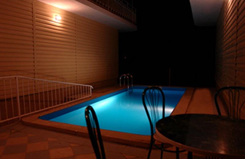 Бассейн. Фото: www.hotel-lelux.ru