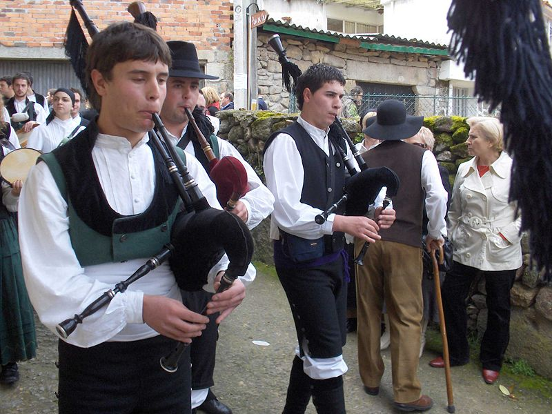 Галисийские волынщики в Испании (en.wikipedia.org/wiki/Europe)