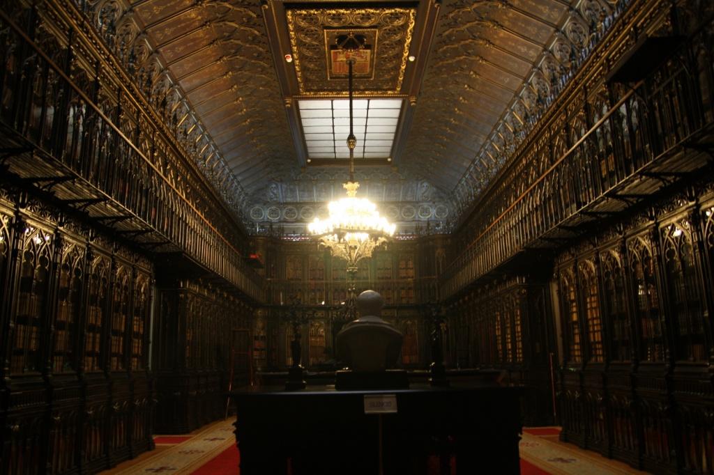 Библиотека во Дворце Сената. Автор: Olga Berrios. Фото:  www.flickr.com