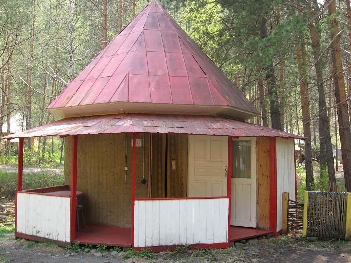 Летний домик с верандой    www.novoland.ru