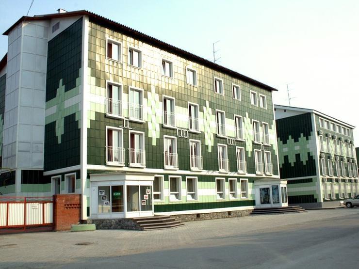 Фасад СГК «Кристалл». Фото: www.kristall.myberdsk.ru