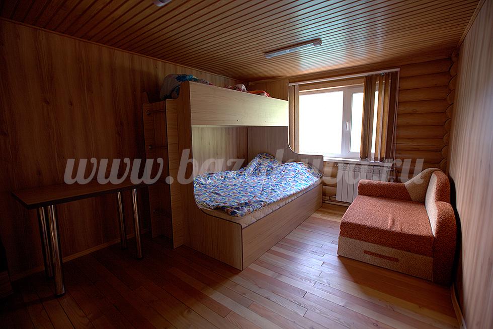 Спальня на 2-м этаже. Фото: www.bazakuba.ru