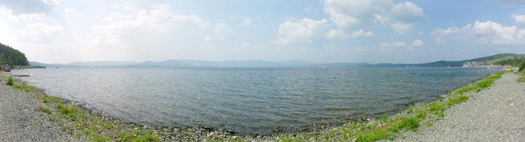 Озеро Тургояк. Панорама. Фото: Роман (Скоромысл) Суханов