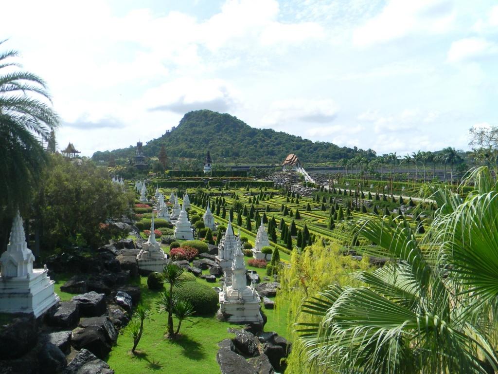 Тропический сад Нонг Нуч, провинция Чонбури. Автор: Бондарь Анжелика