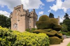 Замок Крейтс (Crathes Castle)