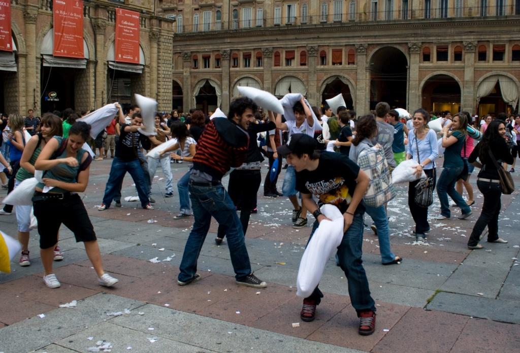 Мероприятие на Площади Маджоре. Автор: Donato Accogli. Фото:  www.flickr.com