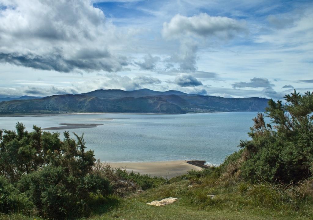 Северное побережье Уэльса. Фото:    Fields of View
