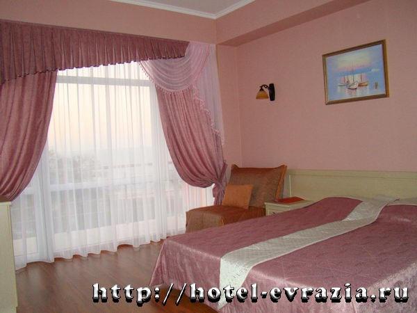 В номере «Стандарт». Фото: hotel-evrazia.ru