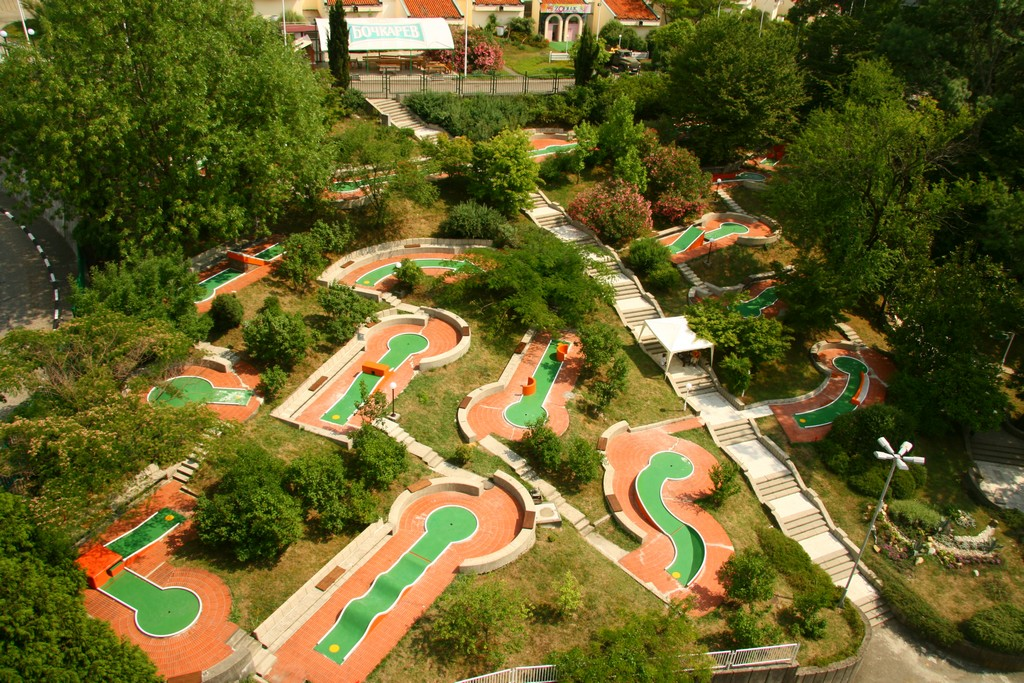 Площадка для мини-гольфа. Фото: www.olympdagomys.ru