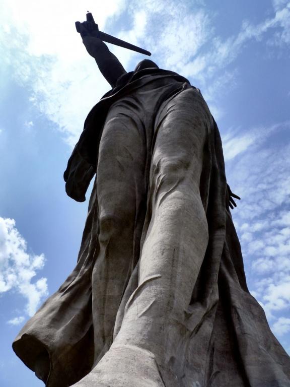 Монумент «Родина-мать зовет!». Автор: zoetnet. Фото:  www.flickr.com