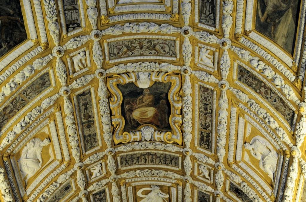 Потолок над Золотой лестницей. Автор: Son of Groucho. Фото:  www.flickr.com