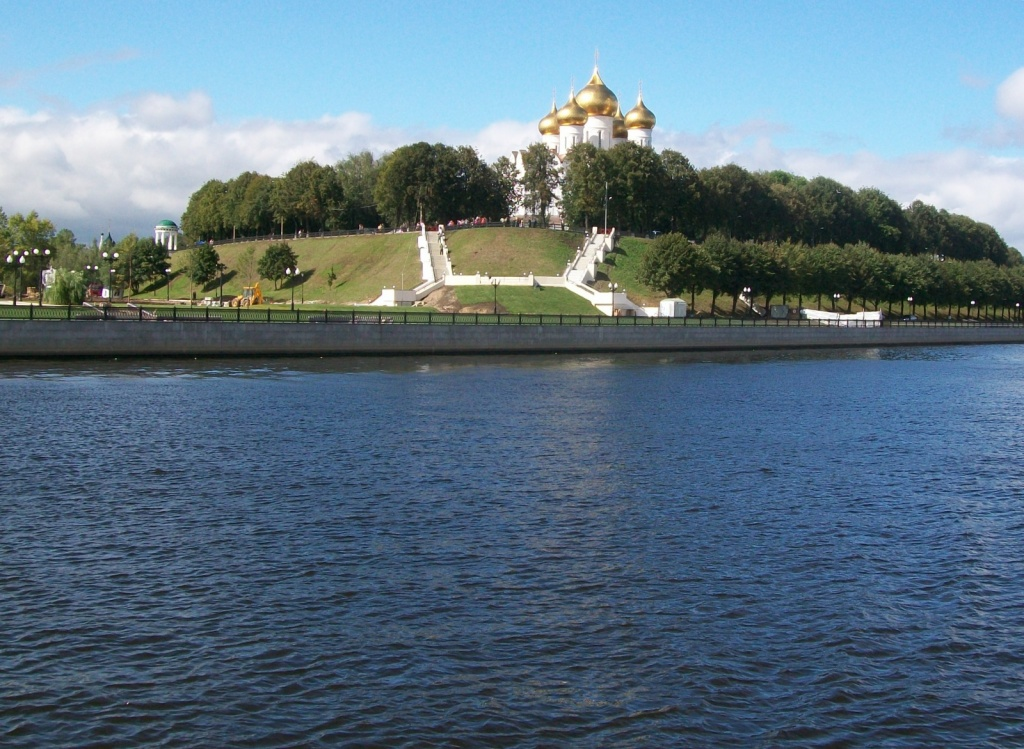 Ярославль. Стрелка (место слияния Волги и Которосли). Автор: Serg2. Фото: wikimedia.org