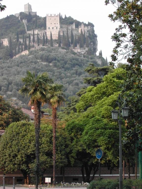 Замок Арко. Фото:  wikimedia.org