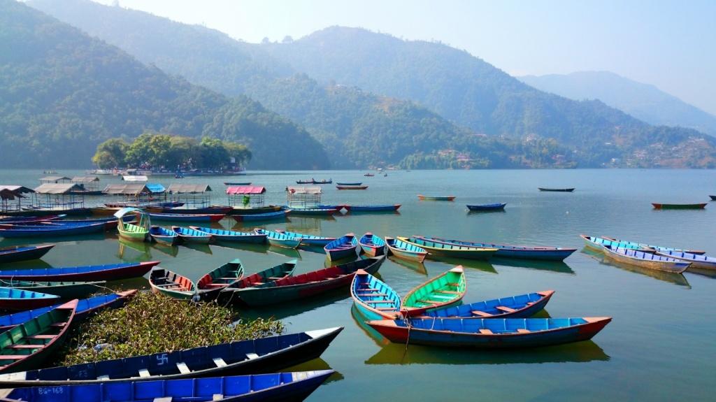 Лодки на озере Фева в Покхаре. Автор: fvfavo. Фото:  www.flickr.com