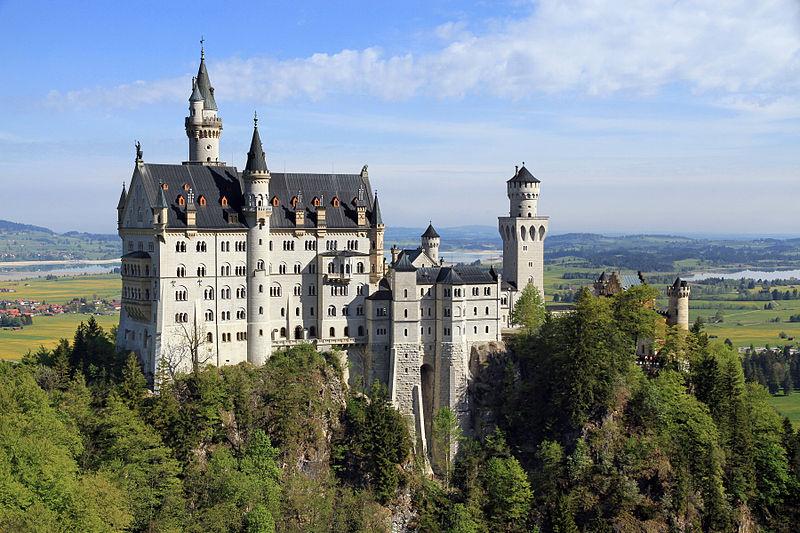 Замок Нойшванштайн, Германия (en.wikipedia.org/wiki/Neuschwanstein_Castle)