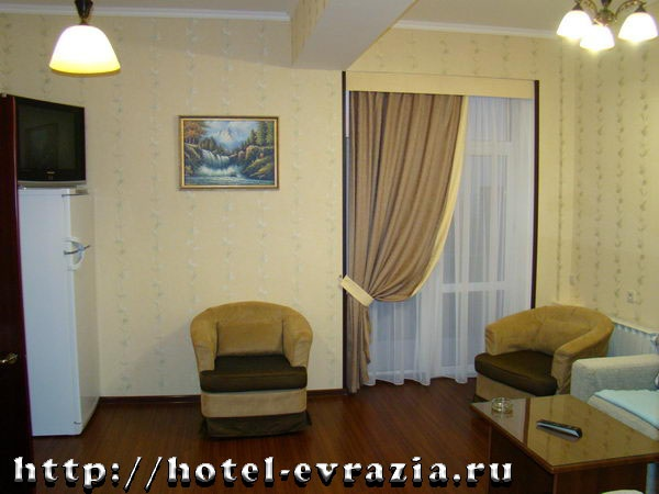 В номере «Люкс». Фото: hotel-evrazia.ru