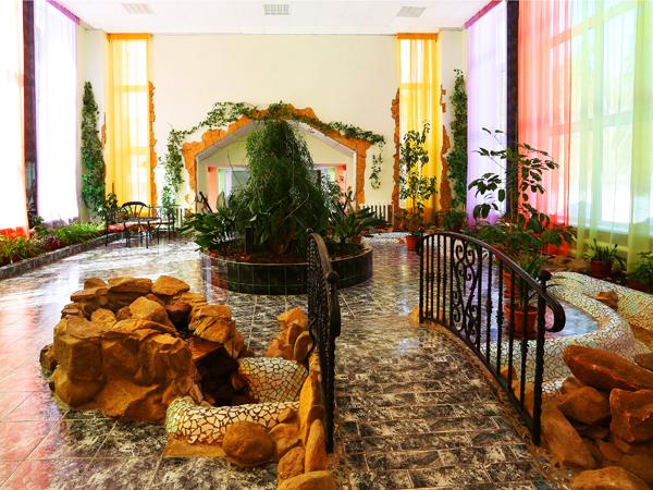Теплый переход между 1 спальным корпусом и лечебным корпусом. Фото www.uvildy.ru