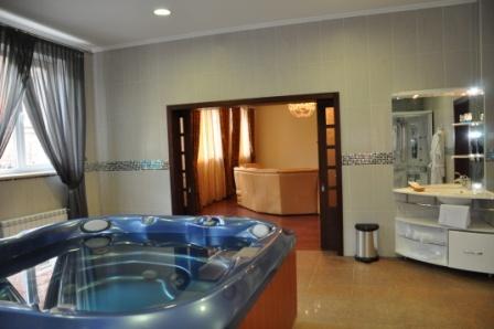 Ванная комната в апартаментах. Фото: www.dvorik-hotel.ru