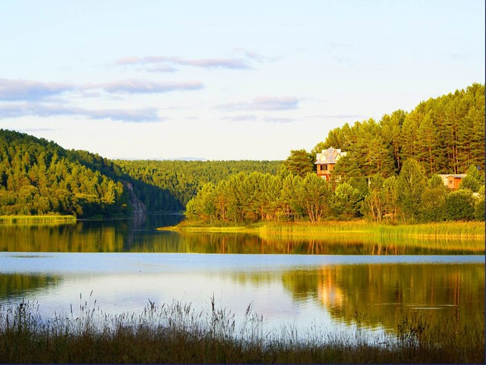Вид на базу отдыха «Бурсина заводь». Фото: bursinazavod.ru