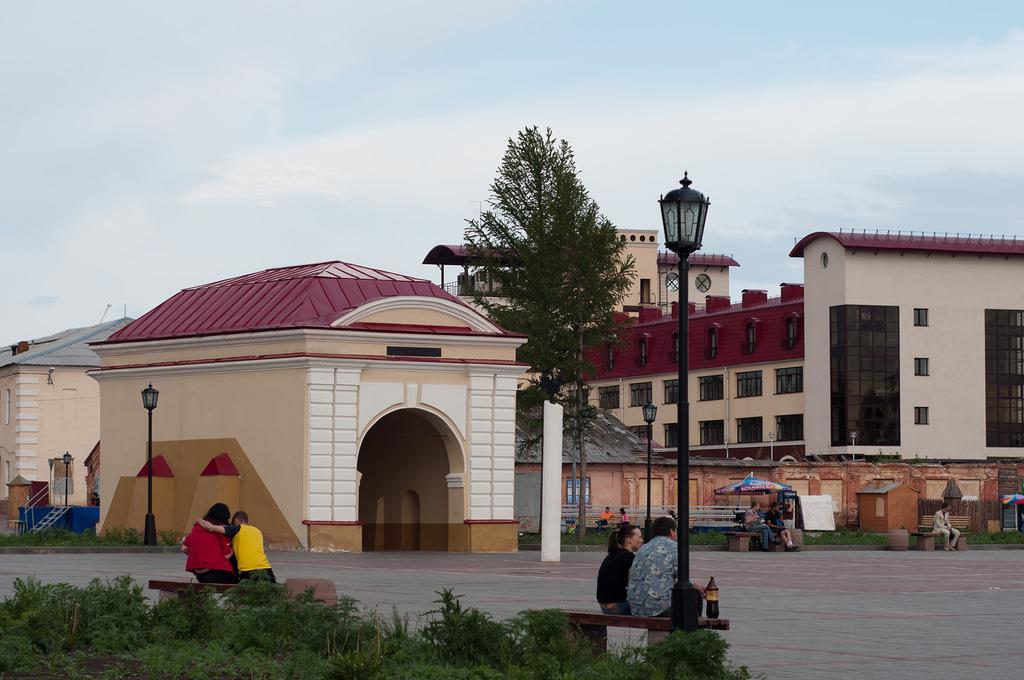 Омская крепость и Тобольские ворота. Фото: Иван Ивченко.