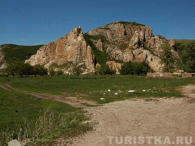 Большой Монастырь. Фото:   turistka.ru