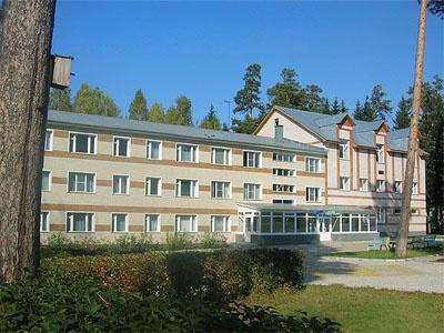 Корпус санатория   www.sosnoviy-bor.info