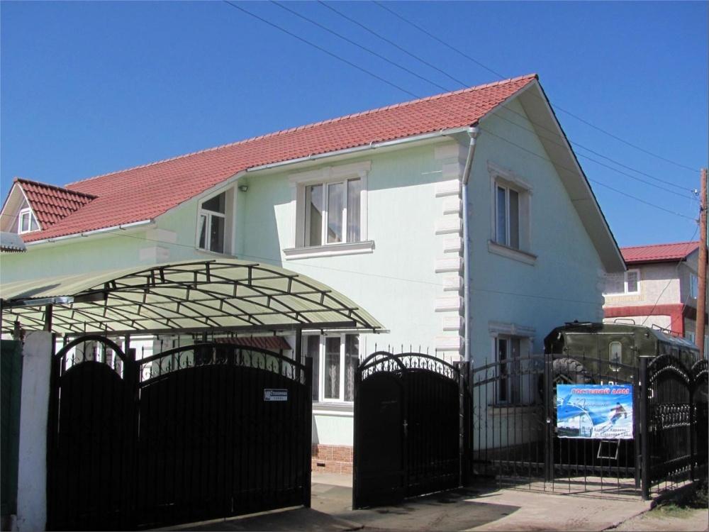 Главный корпус гостевого дома «Алаколь». Фото: www.alakol.kg