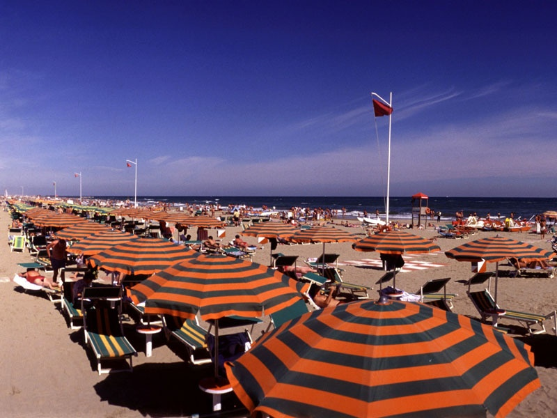 Пляжи Римини. Фото с сайта  www.tourister.ru