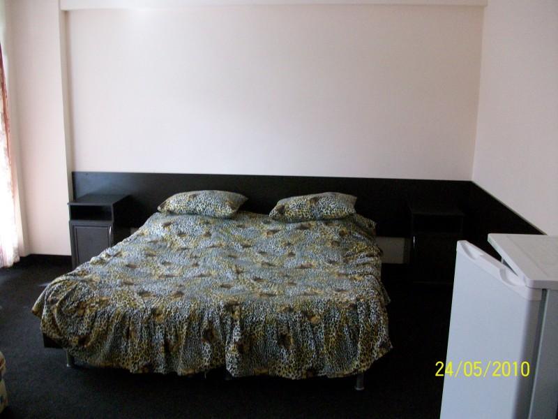 Интерьер номера. Фото: www.hotel-dombay.ru