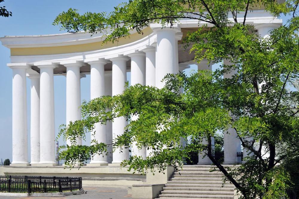 Колоннада в Одессе. Фото с сайта  tonkosti.ru