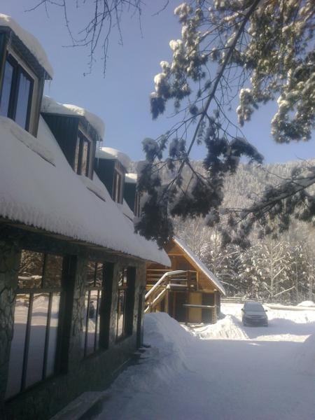 Вид благоустроенного корпуса зимой