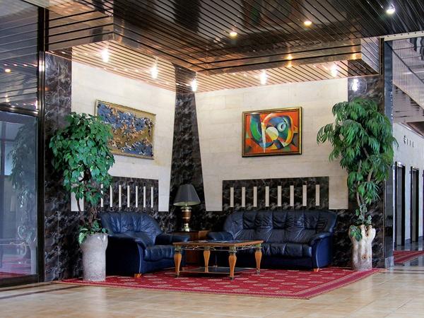 Холл пансионата. Фото: www.neva-sochi.com