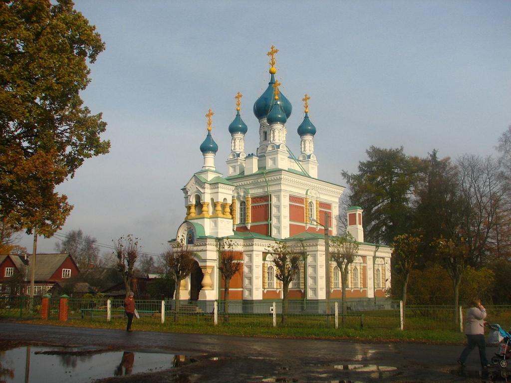 Церковь Покрова Божией Матери в Гатчине. Автор: Артём Топчий. Фото:  wikimedia.org