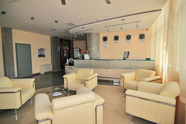 Холл отеля. Фото: www.hotel-adelphia.ru