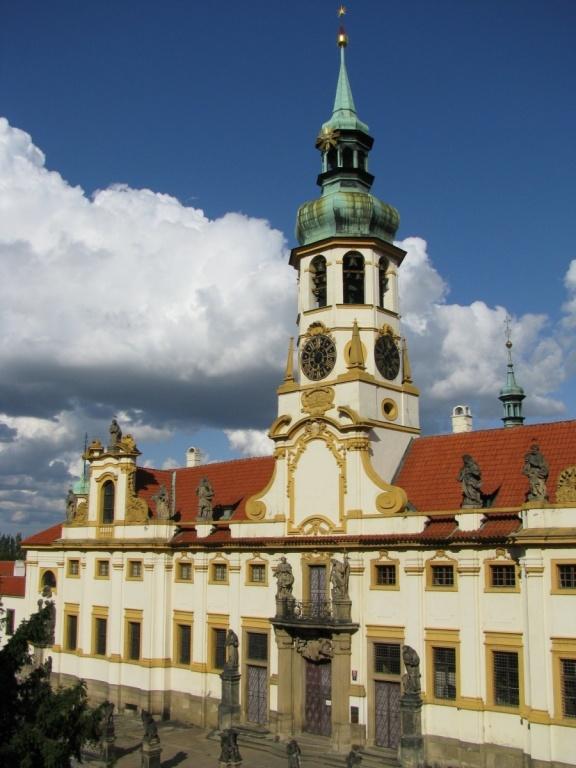 Башня с курантами и колоколами. Автор: Bogdan Migulski. Фото:  www.flickr.com