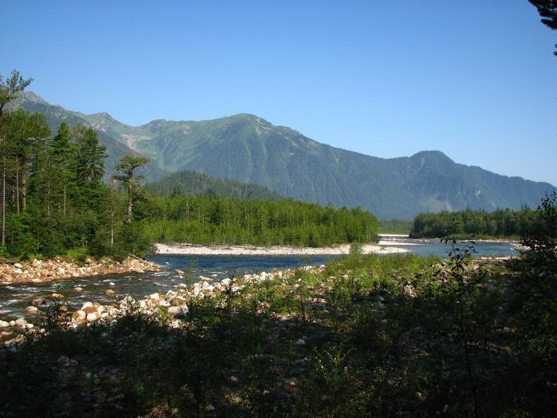 Слияние рек Снежной и Селенгинки.  Фото: Емелин Денис