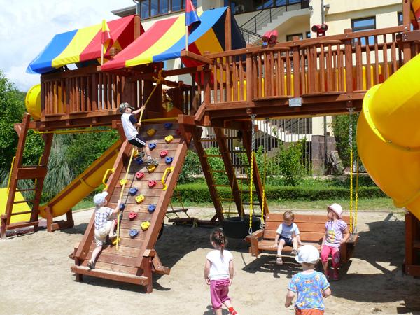 Детский игровой городок. Фото: www.sheksna.ru